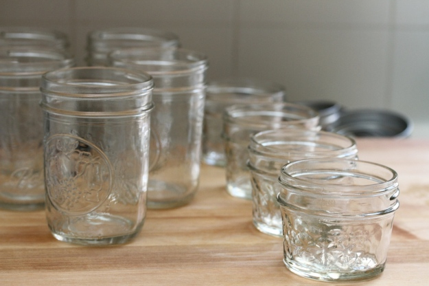 ½ pint and ¼ pint wide-mouth mason jars