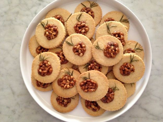 Perfect Rosemary Pinenut cookies, fresh from the oven. An essential sweet & savory dessert!